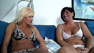 Cute darling is getting her pierced vagina stretched by snahom