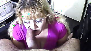 Busty Latina hottie gives deepthroat blowjob to her stud