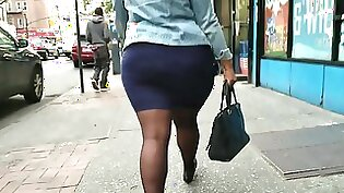 round ass: Big booty amateur raw n spotted by her police officer