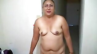 Bbw moves her twat before hardcore fucking