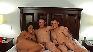 Threesome blowjob in the middle of the street