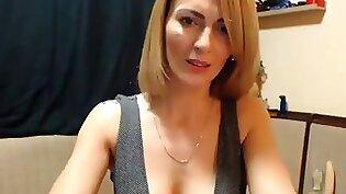 Big tit mom plays with orgasm On Cam