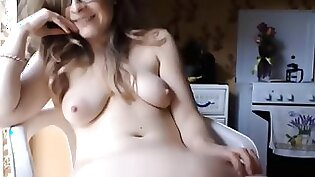 Teen Princess Squirting On Green Belly Shaved Pussy