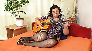 Horny Chubby Wife In Stockings Rides Huge Toy