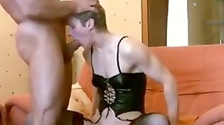 Crazy mean MILF gets her face eaten out