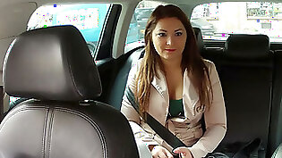 Amateur taxi fuck with cumshot in mouth