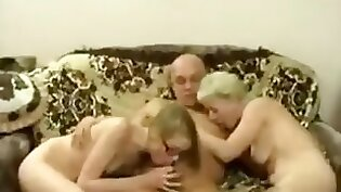 Dapdaped in threesome with stepmom Erin Electra